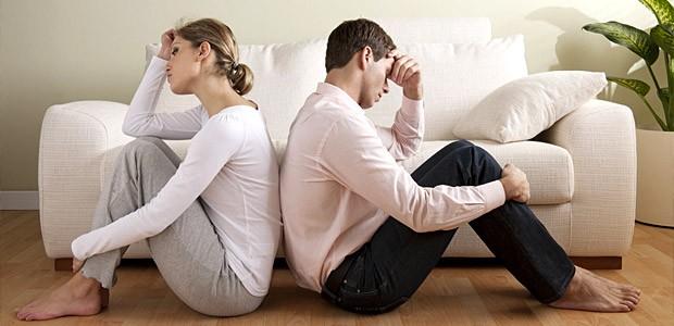 Женятся по любви, а расстаются, когда друг другу уже чужие