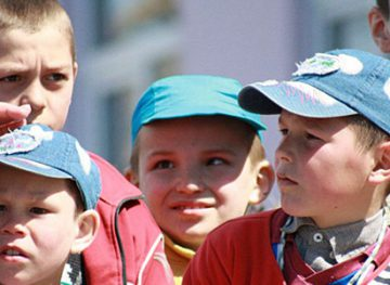 Indemnizaţii pentru copiii rămaşi temporar fără căldură părintească