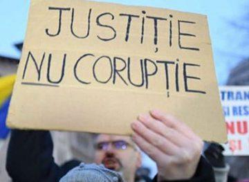 Elevii vor studia un nou curs de educaţie anticorupţie