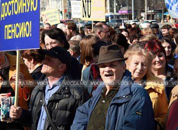 Sfatul economistului: Pensia anticipată pentru limită de vârstă, între doleanțe și posibilități