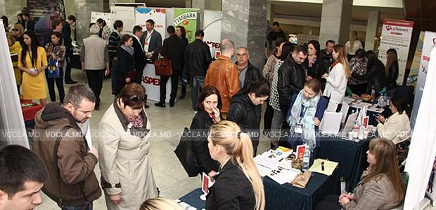 Târg de cariere la Chișinău. Moldovenii sunt aşteptaţi la lucru în România, Germania, Thailanda, chiar şi în India