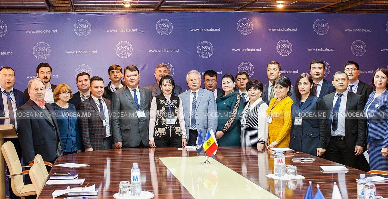 Experiența moldovenilor, studiată de sindicaliști din Uzbekistan