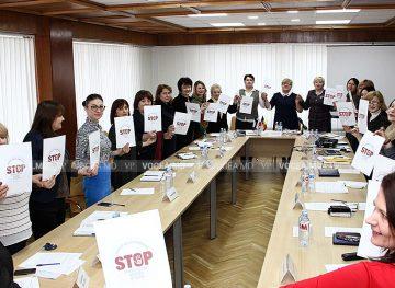 Comisia de Femei a CNSM, împotriva violenței la serviciu