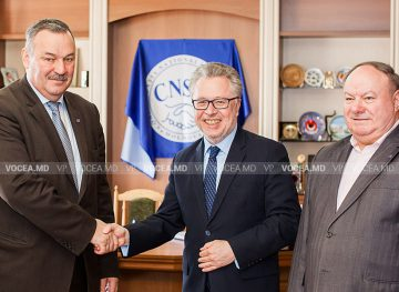 Председатель CNSM обсудил с послом Франции проблемы, волнующие молдавское общество