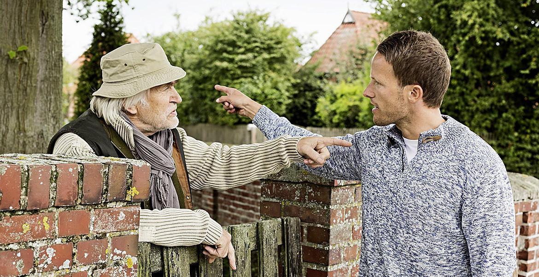 Sfatul avocatului. Prin ograda vecinului…