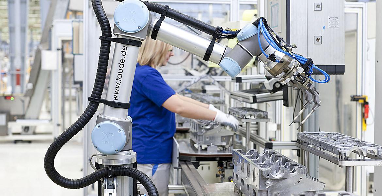 Roboții intră timid, dar sigur, pe piața muncii