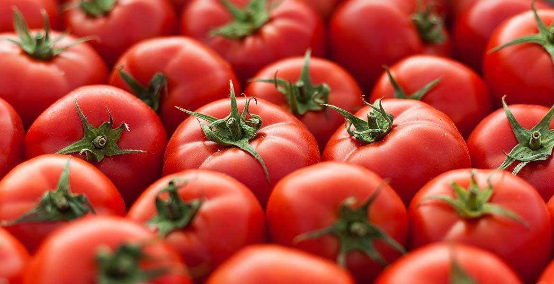 Sfaturi naturiste. Beneficiile roșiilor pentru sănătate