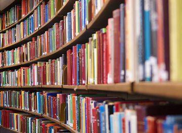 Зарплата библиотекарей чуть выше прожиточного минимума