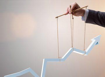 Experţii recomandă schimbarea strategiilor naționale de creştere economică