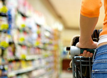 Drepturile consumatorilor trebuie promovate încă din şcoală