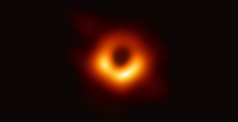 Вглядываясь в бездну. Первая в истории фотография черной дыры