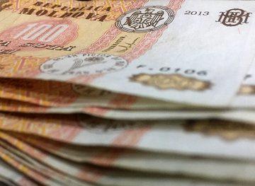 Indemnizaţia de concediu plătită în avans. Concedierile colective vs. obligaţiile angajatorului