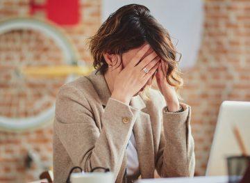 Când a cerut să semneze un contract de muncă, a început să fie hărțuită