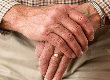 Пенсионный возраст как предлог для увольнения. Расхождения между отечественным законодательством и конвенциями МОТ