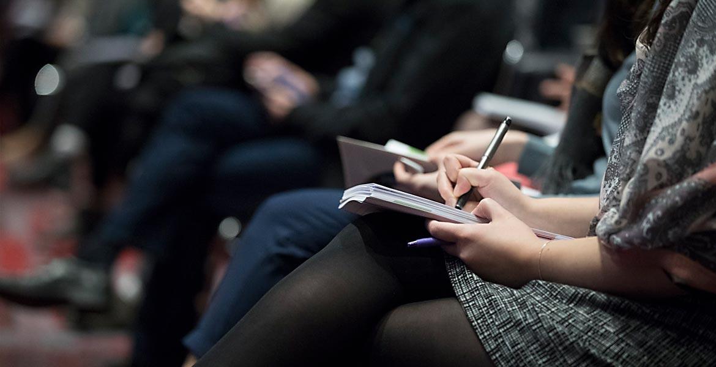Sănătatea la locul de muncă, discutate la o conferință