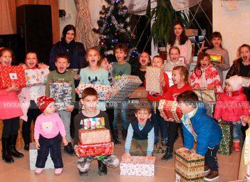 «Рождественский караван» посетил и семьи членов профсоюза