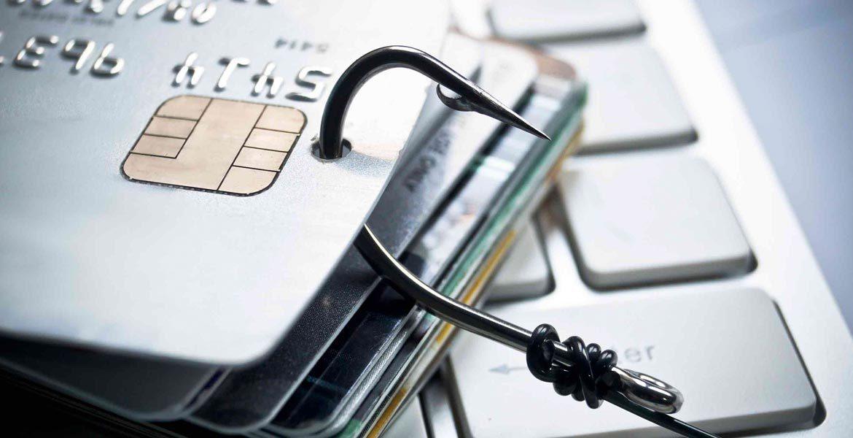 Новая афера, которая может оставить без денег владельцев банковских карт