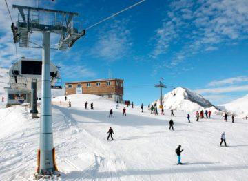 Numărul turiștilor care aleg să se odihnească iarna peste hotare a scăzut cu 81,5 %
