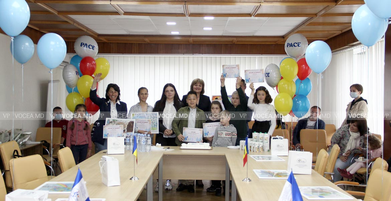 FSCRE a premiat copiii talentați care au participat la un concurs de desen
