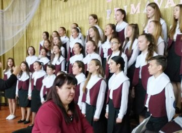 Преподаватели музыки и искусств в положении Золушки, но оптимистичны